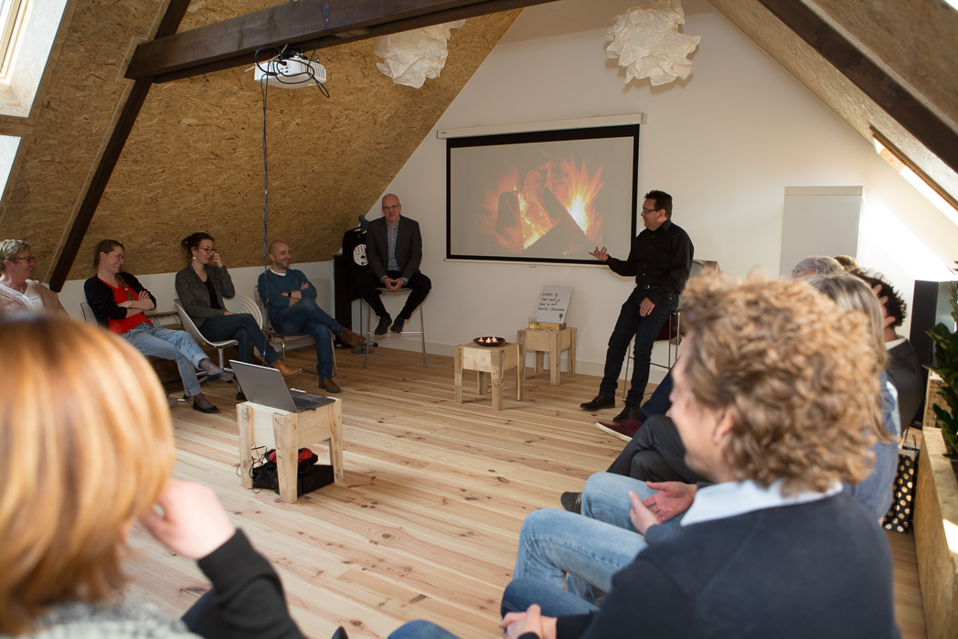 inspirerend bijeenkomen, brainstormruimte, workshopruimte